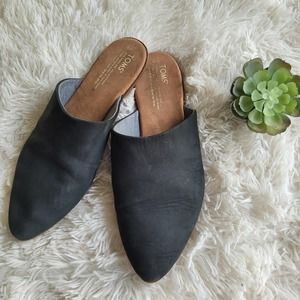 Toms Women's Almond Toe Mules Black Slip On Size 9